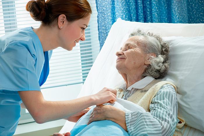 Сиделки на дому для пожилых центры помощи пожилым людям