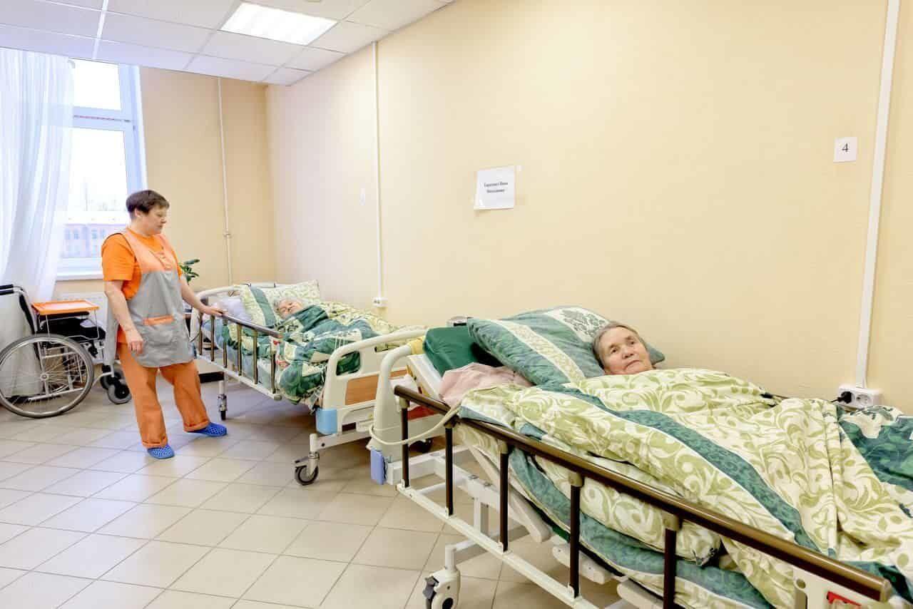 Повар в доме престарелых в спб частные пансионаты для психически больных людей